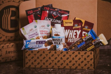The BroBasket Fitness brobox gift set for men