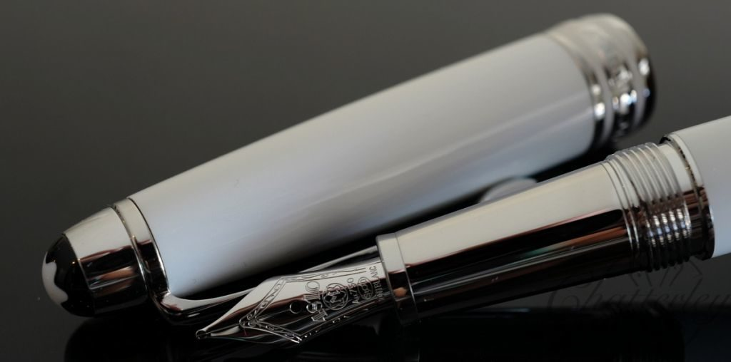 Meisterstuck White Solitaire Classic White Fountain Fancy Pen