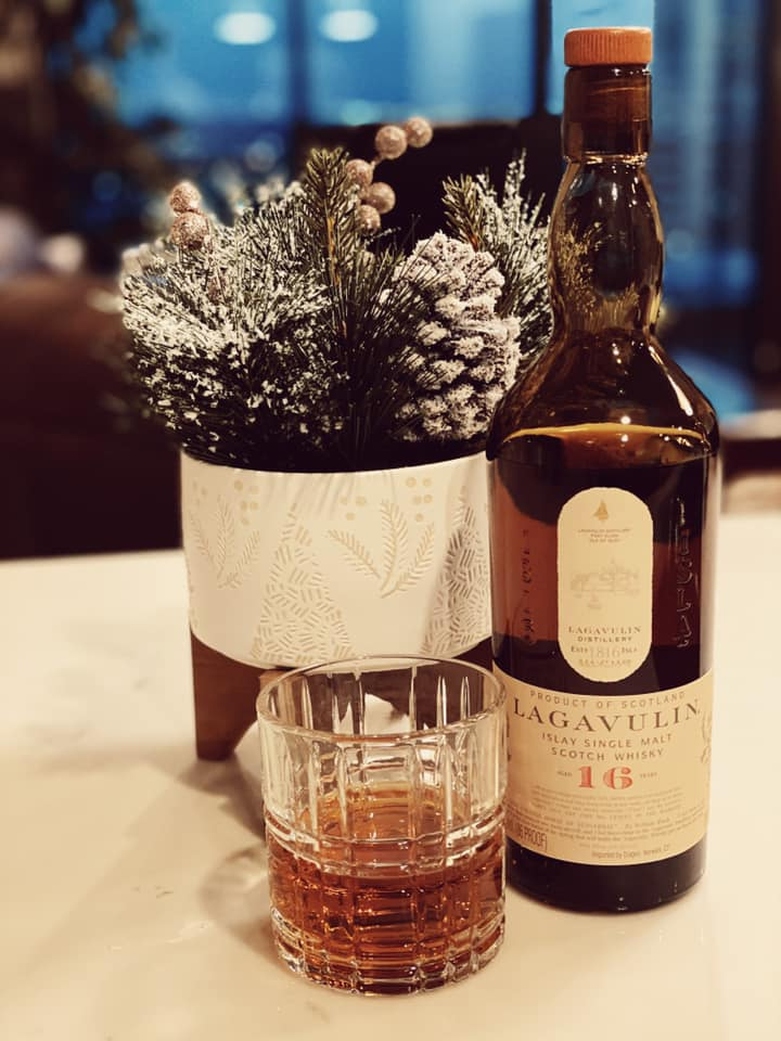 Lagavulin 16 year old review single malt price
